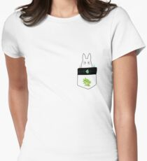 Totoro in a leafy pocket Women's Fitted T-Shirt