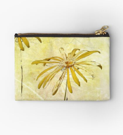 DANCING DAISIES Studio Pouch