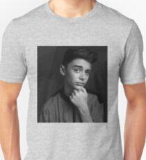 Noah Schnapp Unisex T-Shirt