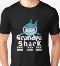 Grandpa Shark T-Shirt Doo Doo Doo   Father's Day Gift Shirt Slim Fit T-Shirt