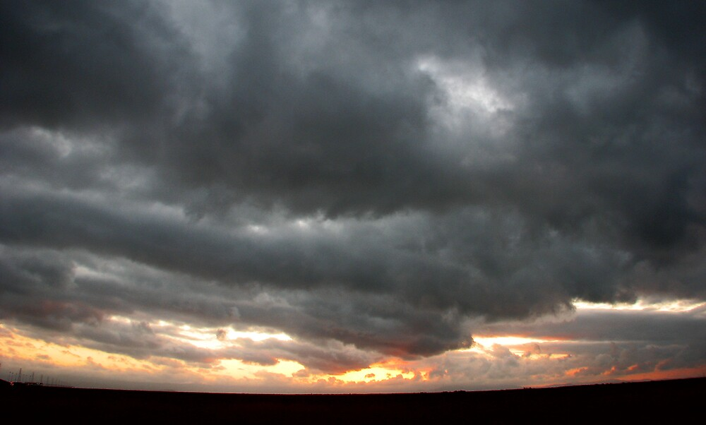 Storm brewing by tabusoro