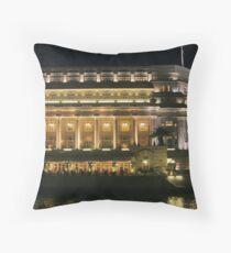 0761 - Fullerton Hotel, Singapore Throw Pillow