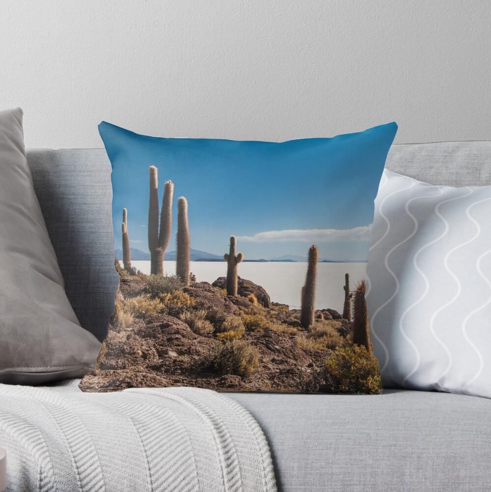 Isla del Pescado Throw Pillow