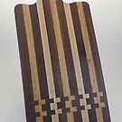 Cutting Board w/Handle_001 by Robert's Woodworking Studio