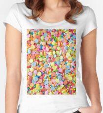 Regenbogen Süßigkeiten Streusel Tailliertes Rundhals-Shirt