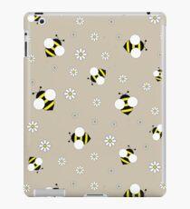 Bee and Daisy iPad Case/Skin