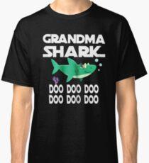 Grandma shark doo doo doo Classic T-Shirt