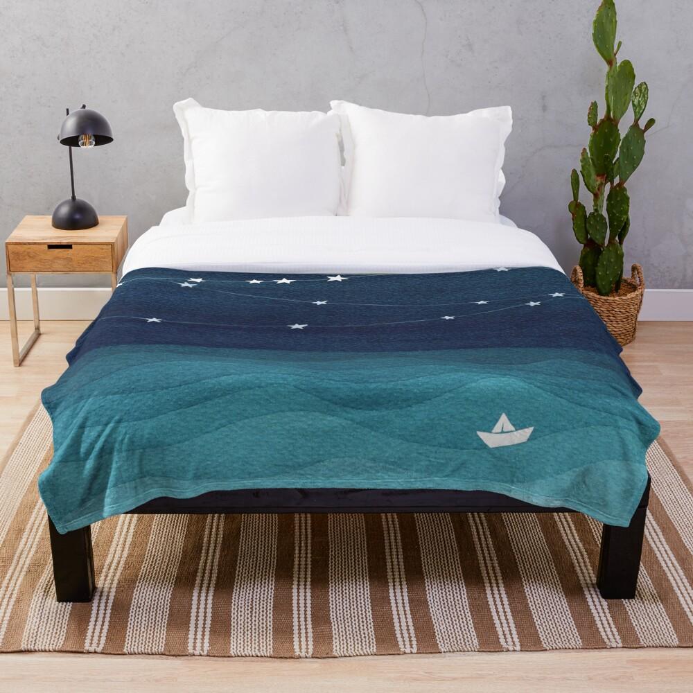 Garland of stars, teal ocean Throw Blanket