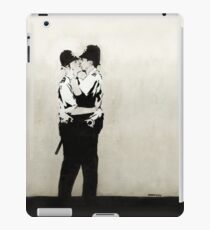 Banksy UK Cops graffiti England coppers kissing LGBT iPad Case/Skin
