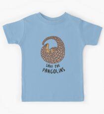 Speichern Sie die Pangolins - Pangolin zusammengerollt Kinder T-Shirt