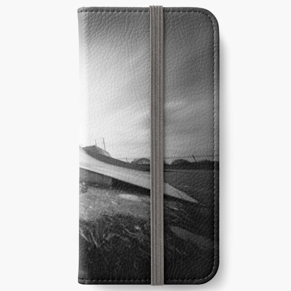 Ready to launch - Skate Ramp - Pinhole photo iPhone Wallet
