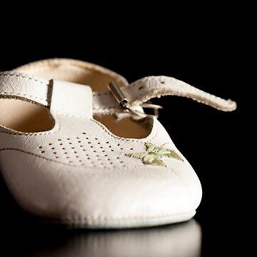 White Shoe by AlanOrgan