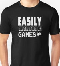 easily distracted by game Unisex T-Shirt