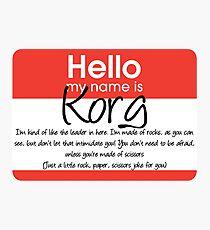 Lámina fotográfica Hola mi nombre es Korg