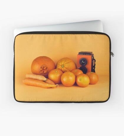 Stillleben der orange Karotten Laptoptasche