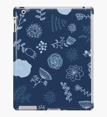 Elegance Seamless pattern with flowers iPad Case/Skin
