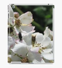 Flower with bug - white iPad Case/Skin