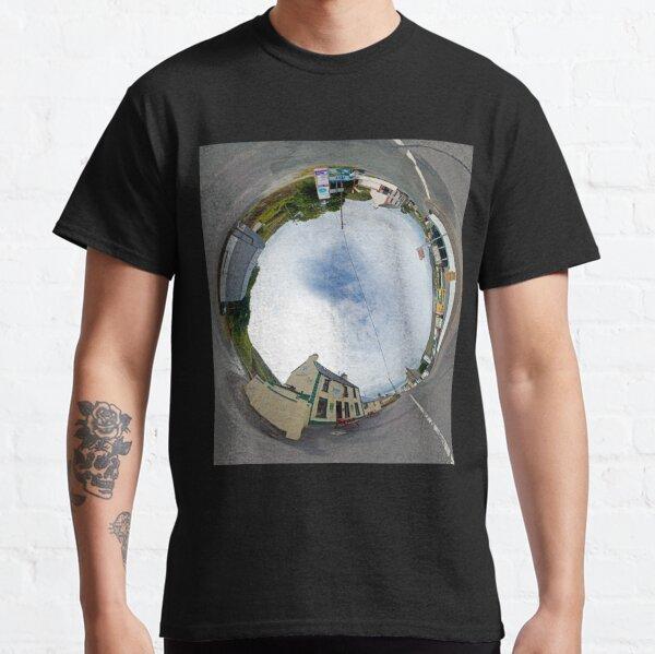 Glencolmcille - Biddy's Crossroads Pub(Sky-in) Classic T-Shirt