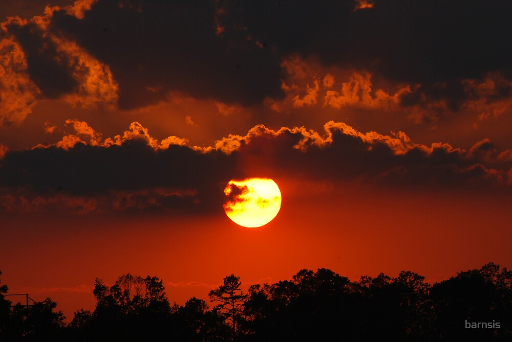A Nearly Full Sun Sunset by barnsis