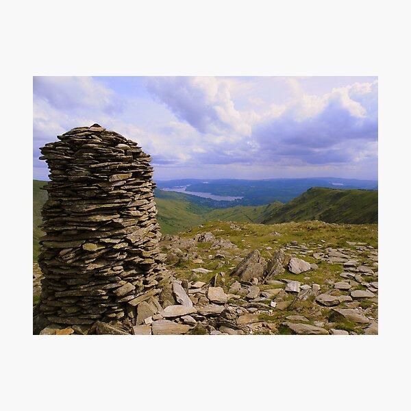 The Lake District: High Bakestones Cairn Lámina fotográfica
