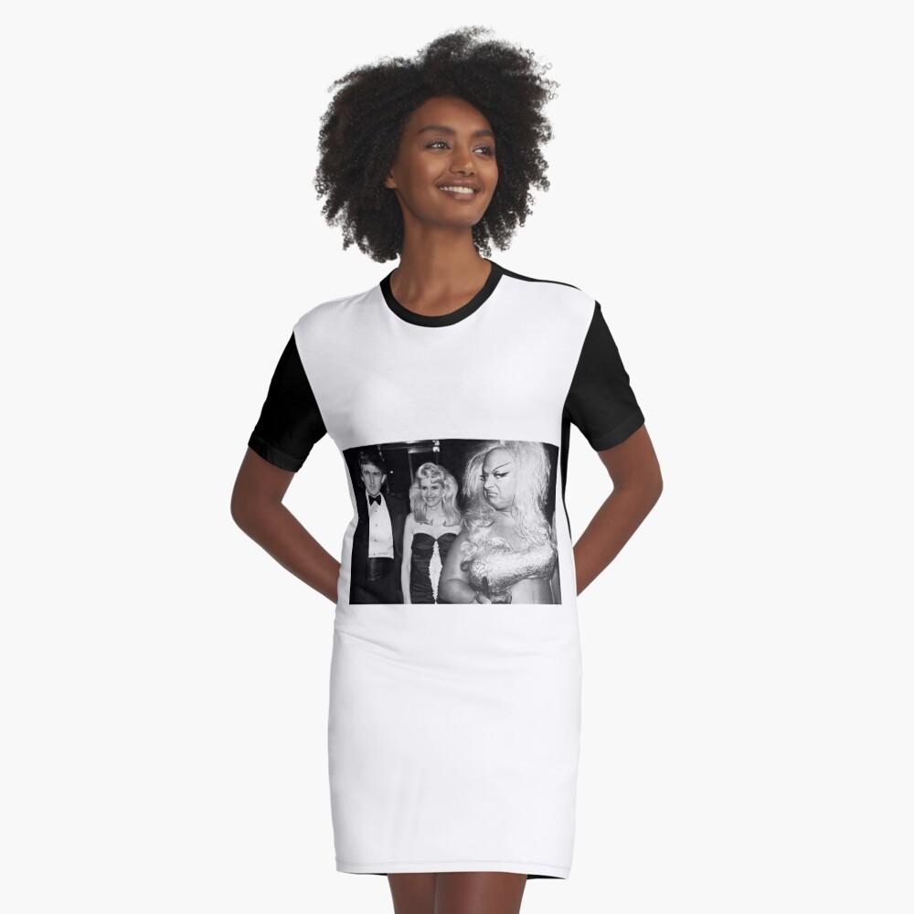 Göttlich trifft Trumpf T-Shirt Kleid