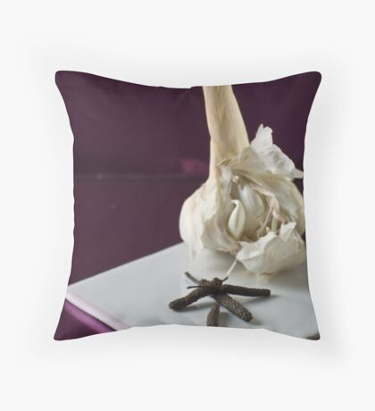 Garlic and pepper Throw Pillow
