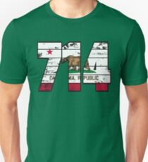 LOVE THAT  714 LIFE - YOUR FAVORITE AREA CODE WITH A HEAVY WOOD OVERLAY DISTRESS Unisex T-Shirt