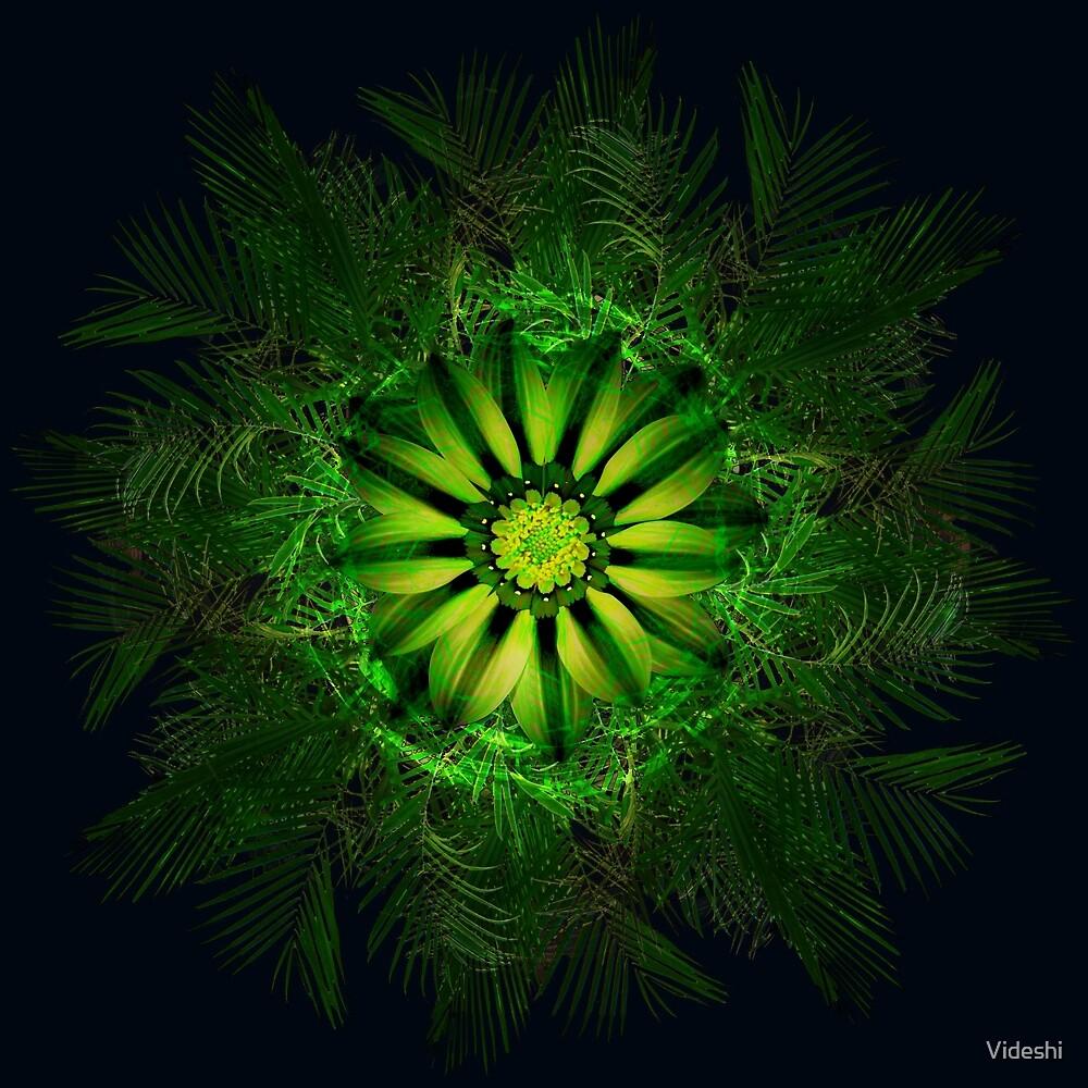 The Majesty Palm Light Flower by Videshi