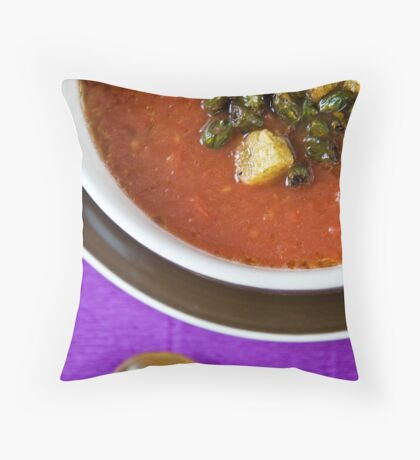 Tomato soup Throw Pillow