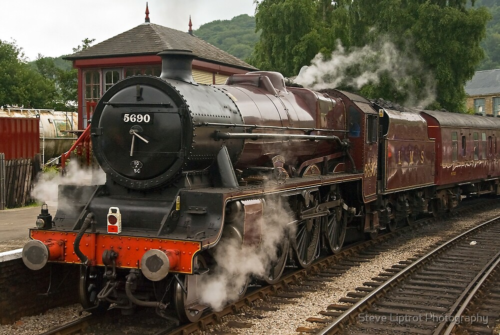 Keighley & Worth Valley Railway, Keighley by Stephen Liptrot