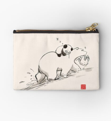 Are we bearly there yet? Zipper Pouch