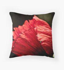 Poppy beauty Throw Pillow