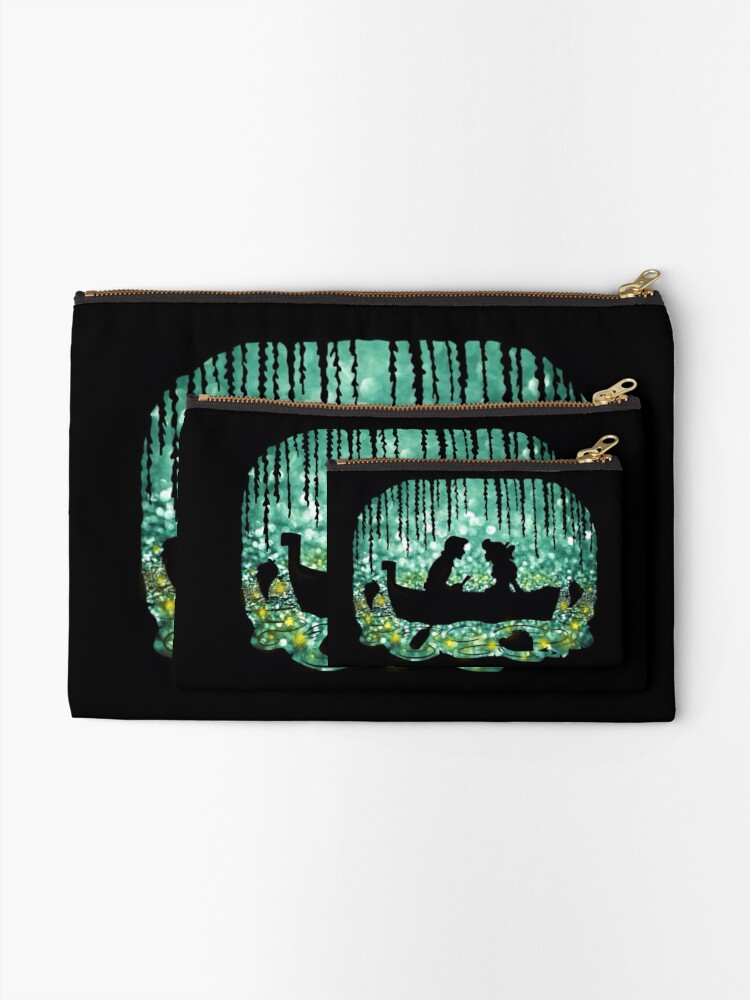 Alternate view of Kiss The Girl Zipper Pouch