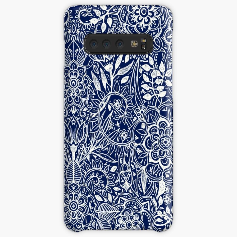 Patrón floral detallado en blanco en azul marino Funda y vinilo para Samsung Galaxy