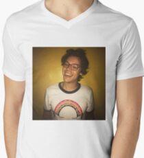 Lächelnde Arten T-Shirt mit V-Ausschnitt