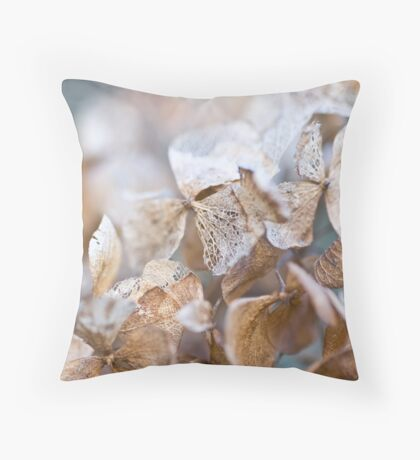 winter flower Throw Pillow