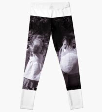 The little girl and the donkey Leggings