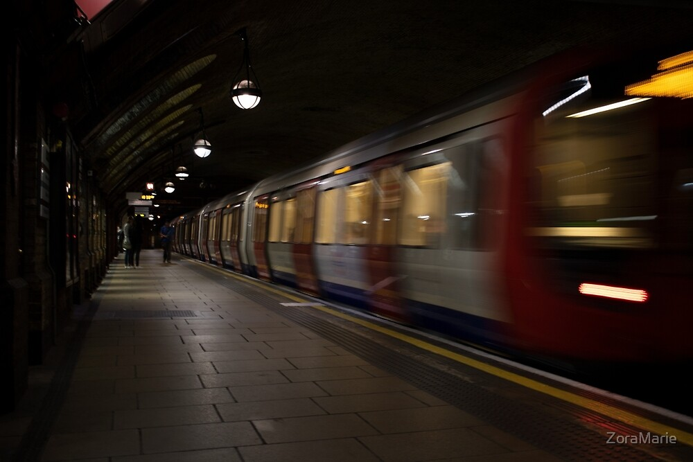 London in Motion by ZoraMarie