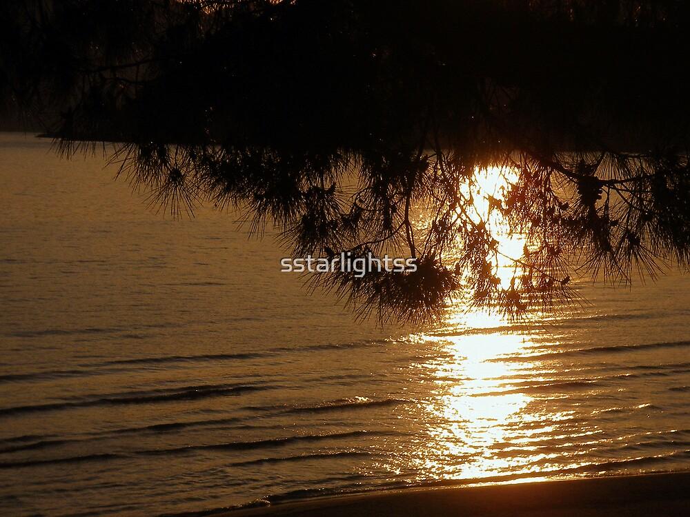 Golden sunset on the sea by sstarlightss