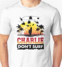 Charlie ne surfe pas T-shirt unisexe