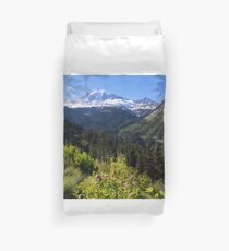 Scenic view of Mt Rainier in National Park WA State on a sunny day Duvet Cover