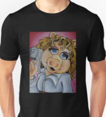 Miss Piggy, Professor River Song Unisex T-Shirt