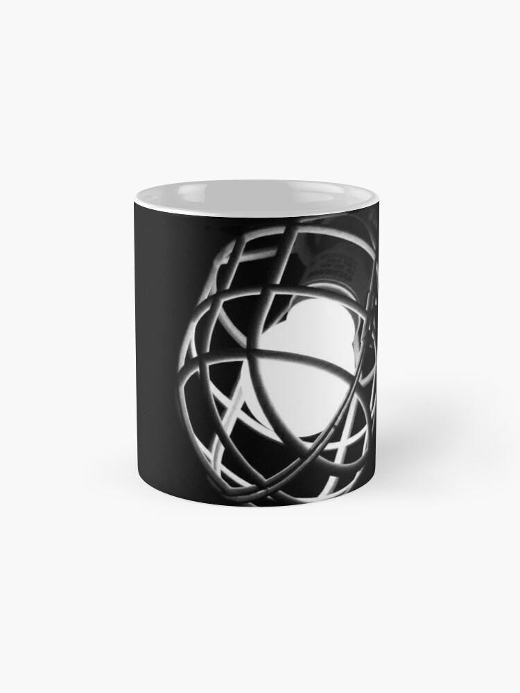 Alternative Ansicht von Erschossen im Dunkeln Tasse