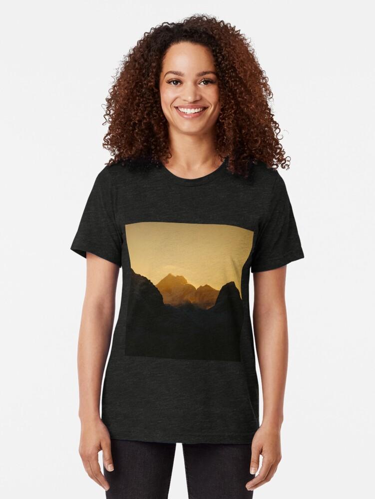 T-shirt chiné ''Coucher de soleil sur les Îles Lofoten en Norvège': autre vue