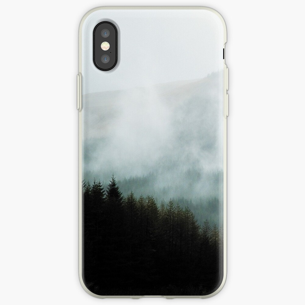 Coque iPhone «Brume hivernale dans les vallées»
