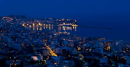 Kavala by night. by Kostas Pavlis