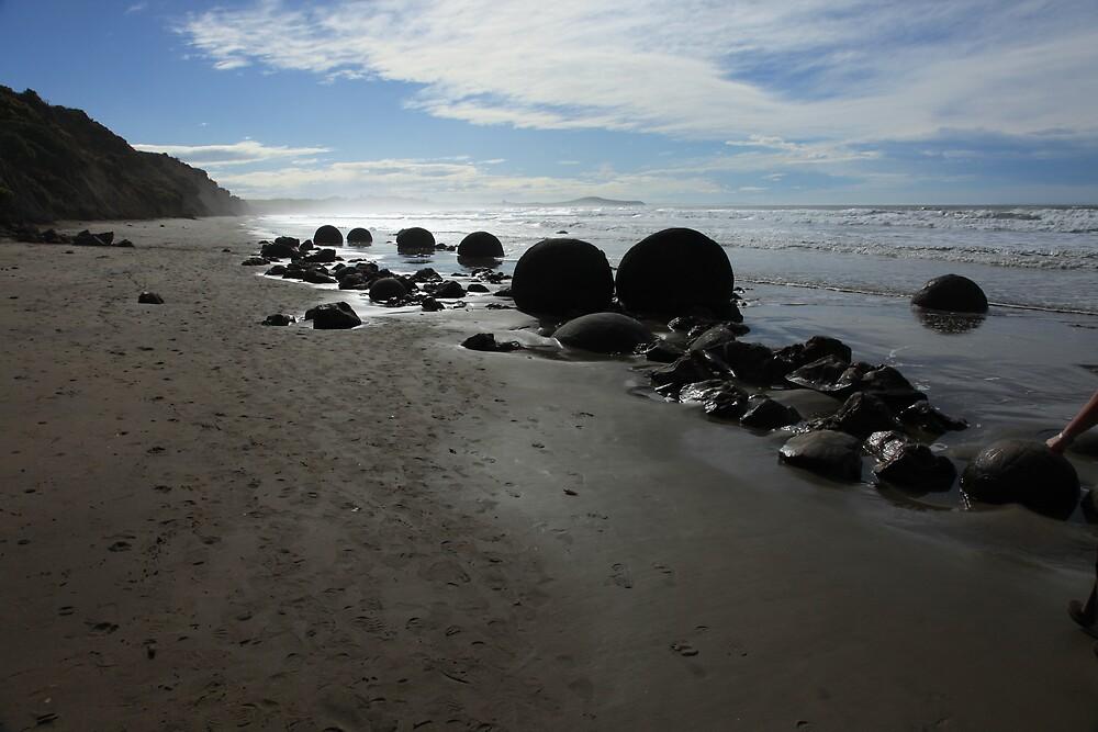 Moeraki boulders, New Zealand by fns720