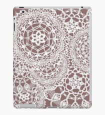 Delicate knitted lace of round doilies iPad Case/Skin