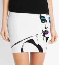 Audrey Hepburn Make Up On Mini Skirt
