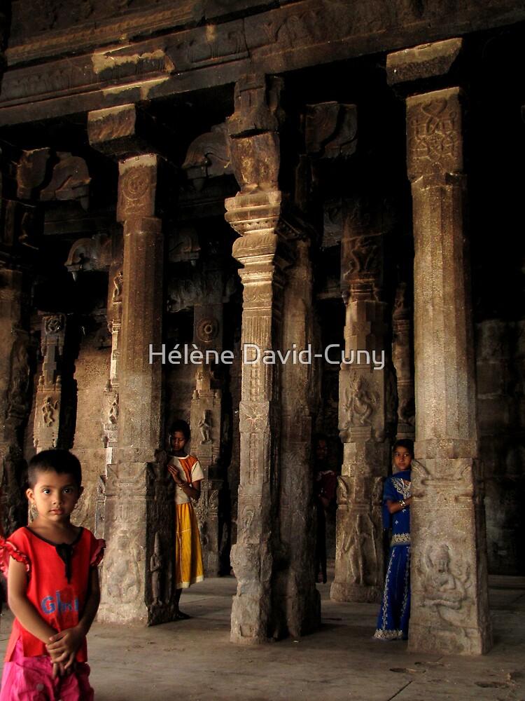 Pillars of all kinds by Hélène David-Cuny
